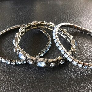 Jewelry - Set of three - stretch bracelets